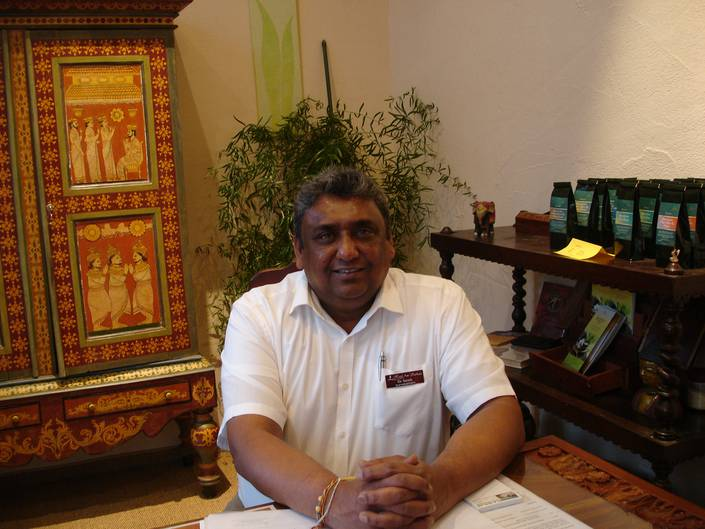 Dr. Sarath authentisches Ayurveda